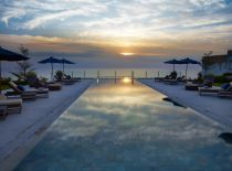 Villa Anugrah, Pool at sunset